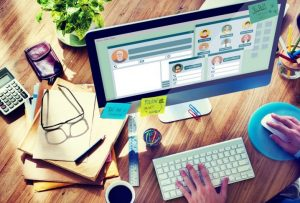 Keuntungan Belajar Makalah Di Sosial Media Dengan Simpel