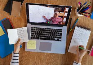 Memahami Sebuah Pembelajaran Esai Dengan Online